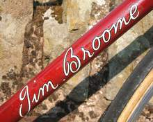 Detail showing the original Jim Broome 'autograph' style down tube transfer