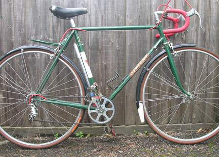 An image showing one of the very rare Frederick machines probably late 1950s as it has the later version of the Nervex Professional lugs