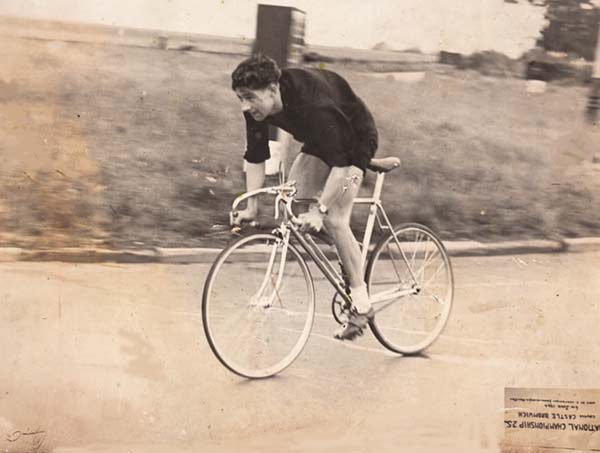 This picture has a tiny label photographed with it (why upside down, I don't know). It says 'National Championship 25 m. Course Castle Bromwich, 6th June 1945. Won by C. Cartwright'