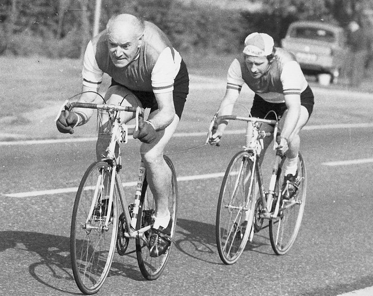 Crest CC 2-up 10-mile time trial on E1 course near Stansted H R Morris and K Plowman (Lea Valley RC)