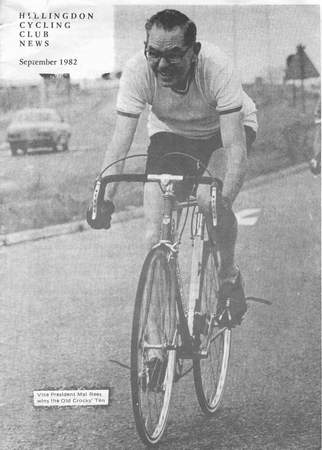 The photograph on the right shows Mal Rees as President of the Hillingdon CC winning The Old Crocks' Ten in 1982. This was in the year before he died.