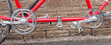 Stronglight/TA chainsets on this in-line drive with exterior tensioner