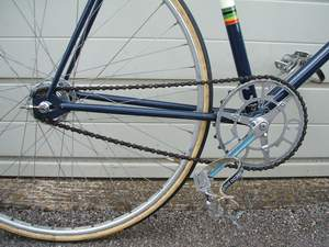 Madison inch-pitch chainset with block chain