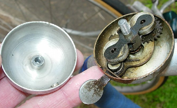 Cyclo Oppy toe-clips and the bell