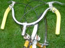 Hobbs stem with pre-war Lauterwasser bars and Bowden brakes