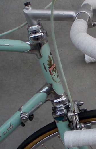 Side view showing Bianchi integrated head set