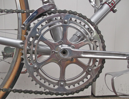 TA Criterium (with wedge axle) allen-key cottered chainset with TA professionnel chainrings and adaptor