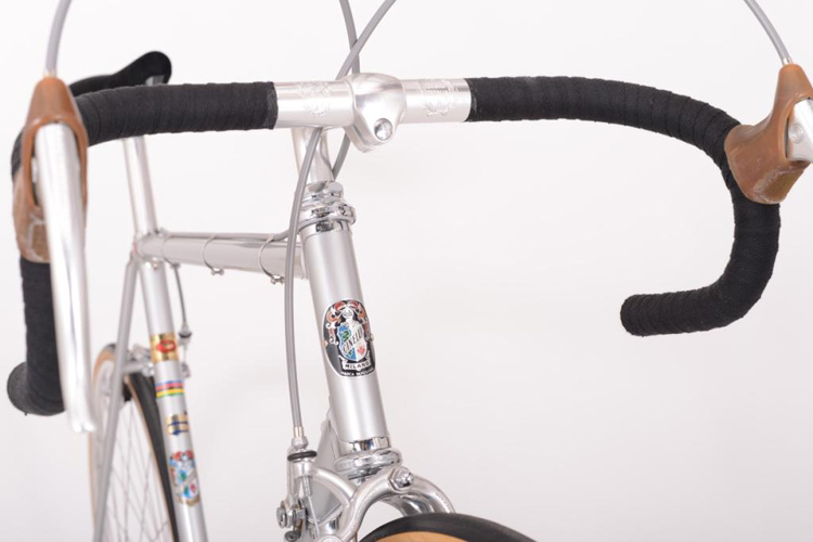 Early 1970's version Cinelli headbadge