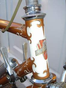 Old head badge plus finely-cut lugs