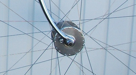 Harden 'Bacon Slicer' large flange hub - 32 hole built with 15/17 double-butted spokes. See Holdsworth advert for Harden hubs at bottom of page.