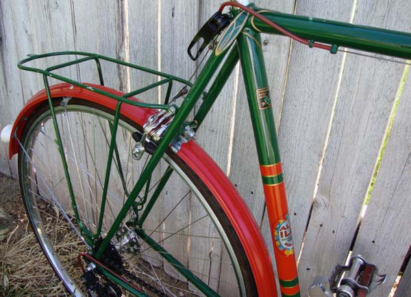 Seat cluster and rear triangle showing rack supplied and fitted to braze-ons fitted by Bill