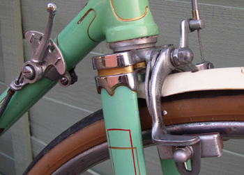 Detail shot showing double-box lining; fork crown, Osgear lever and steel Bowden brake stirrup.