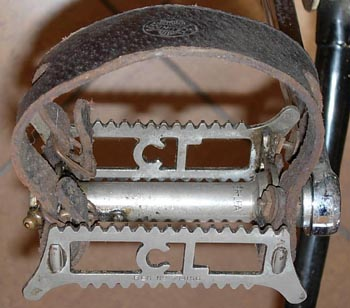 Early Chater-Lea tommy-bar pedal with double footstrap popular pre-war