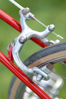 Rear brake bridge with GB Coureur stirrups which were introduce in 1951
