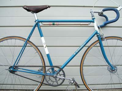 Ephgrave No. 1 road/path frame with round section track forks and fairly close clearance.