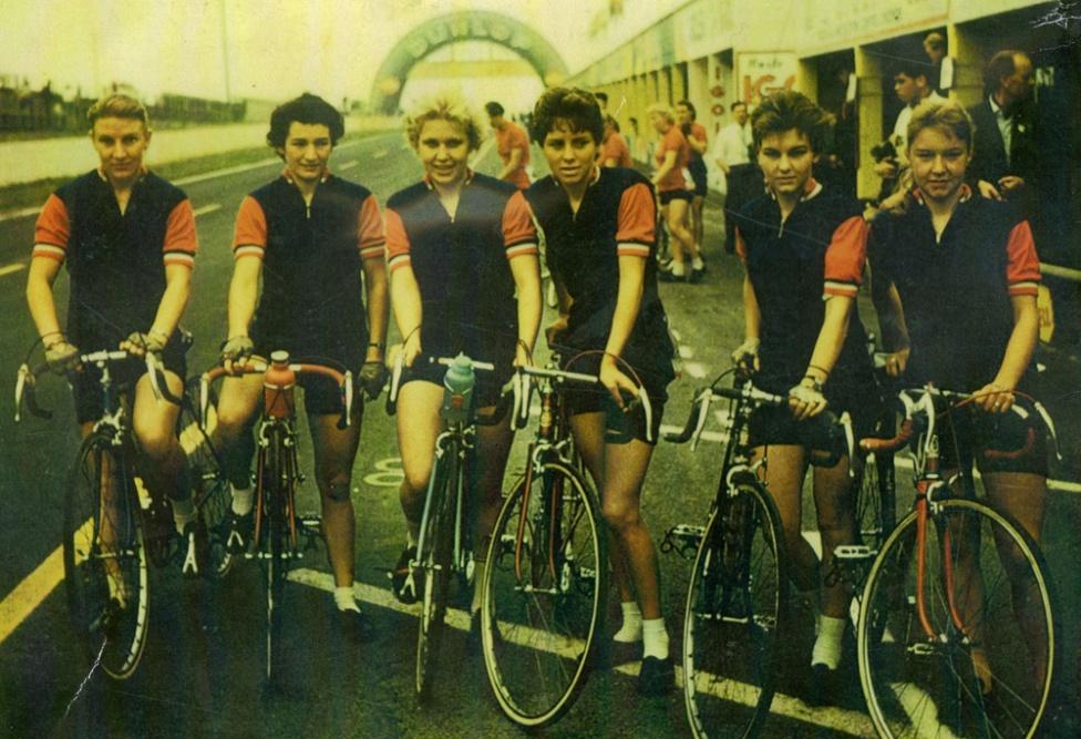 Left to Right: Eileen Cropper, Joan Poole, Molly Swann, Shelia Clarke, Barbara Harris and Dorothy Johnson