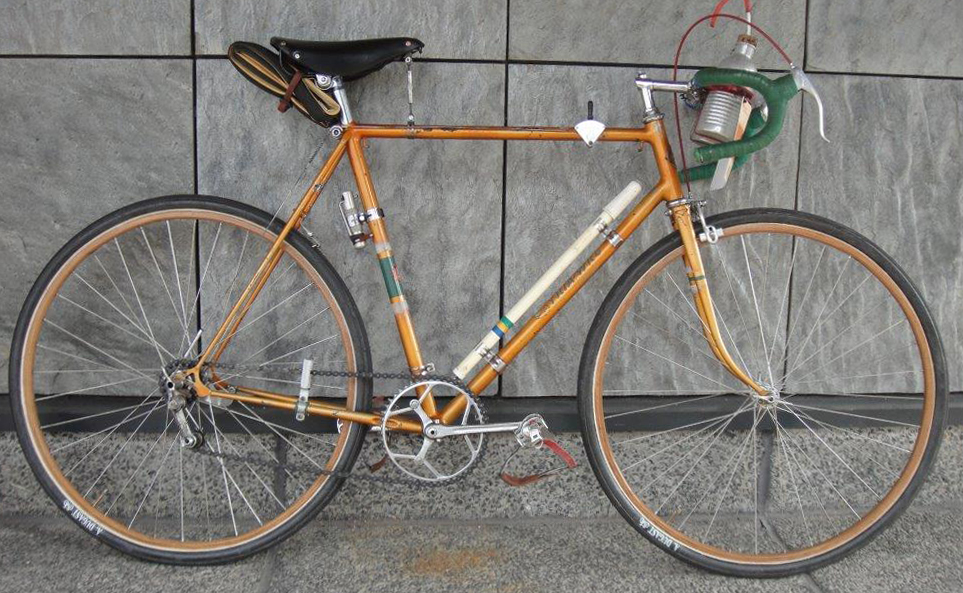 1949 Patria WKC as ridden by Sepp Berger from 1949 to 1952 (Except for CO2 pump, saddle and wood rims)