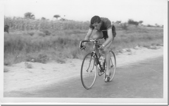 Picture shows the same bike in fixed mode. Last few yards ofthe '54 RAF(Egypt)CA 50-mile Championship. Riding a 83 inch gear I did 2h 8m 20s to come second.