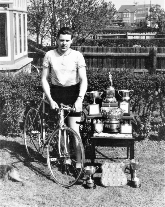 Mick Butler found this image of Brian Curtis from my own cycling club, Cambridge Town and County as it was – now Cambridge Cycling Club - with his Rory O'Brien.