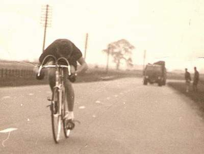 Gerald Finlay (Leeds Atlas CC) competing on the A1 in a 30-mile time trial in 1953 Note the 'flowing' brake cables on this Bates BAR which was the fashion in the early 50s.