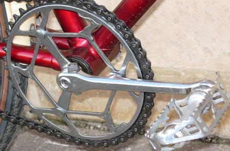 RRA chainset and pedals with the Heron logo incorporated