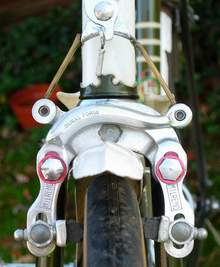 Close-up view of the front Mil Remo brake. Also shows 'fishtail' of the later type Nervex Professional lug