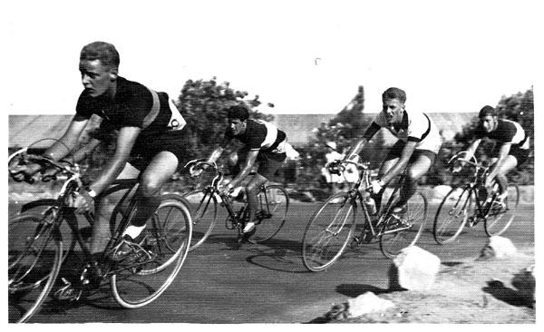 Coronation Grand Prix Fayid 1953 L to R: Eric Beauchamp, Jim Pike, Alan Colburn, Pete Eva