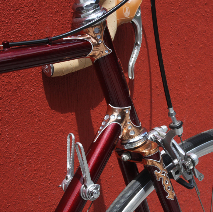 The lugs on this Southend built 'Keyhole' are 'plain spearpont drilled out as shown above. The Campagnolo down tube levers are also milled out by Flash for that racy look. Drilled brake levers are Super Record.