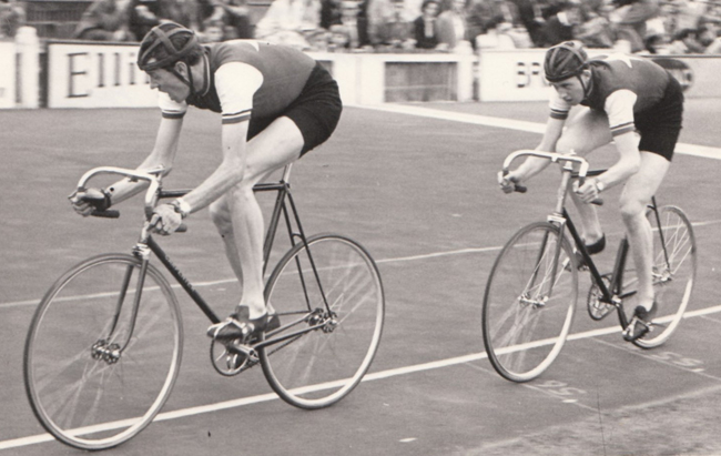 Mike and Robin Gambrill in a two-up pursuit at Herne Hill Sciacchi Meeting, 1959 riding in Clarence Wheelers colours