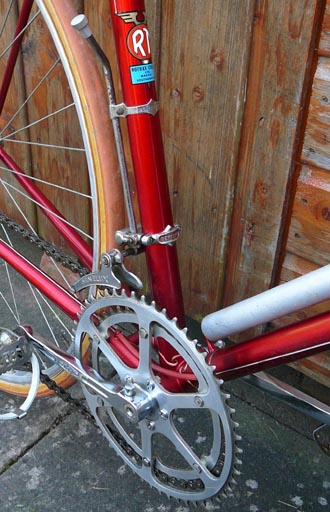 Benelux twist-operated rod front changer; Milremo steel cottered cranks with TA Criterium rings