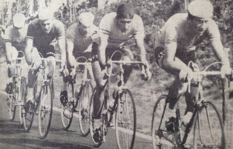 Bob Addy in fourth place with Eddie Merckx on his wheel, 1967 World Professional Road Race