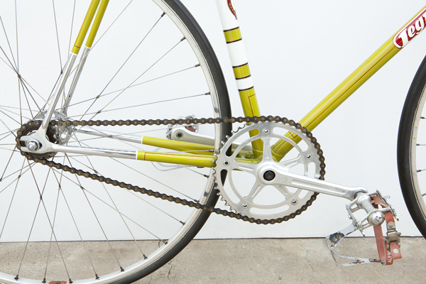 Drive showing Campagnolo Pista chainset and pedals plus paintwork detail