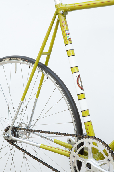Rear triangle including Legnano seat clamp in front of seat cluster plus seat tube detail