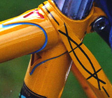 Alvin Smith has sent this image which shows both good lug lining and top eye work on a late 1980's Major Nichols frame. This decoration was done on all of the better 531 frames so is in effect a signature piece, Major often lined his lugs in red, white and blue although this example has no white.