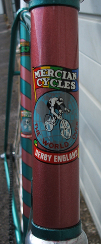 two details of imaculate paintwork by Mercian, I cannot imagine trying to mask up the barber's pole!