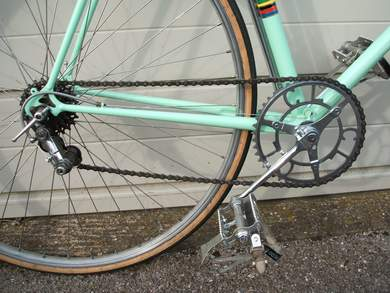 Drive chain with Chater chainset, Simplex Tour de France gear and GB wingnuts