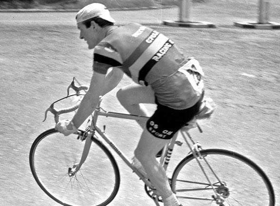 Pete Russell racing in Metro kit