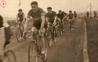 Rod, arrowed in the Moordide Junior Grand Prix, 1953 Organised by Swinton Coureurs Road Club