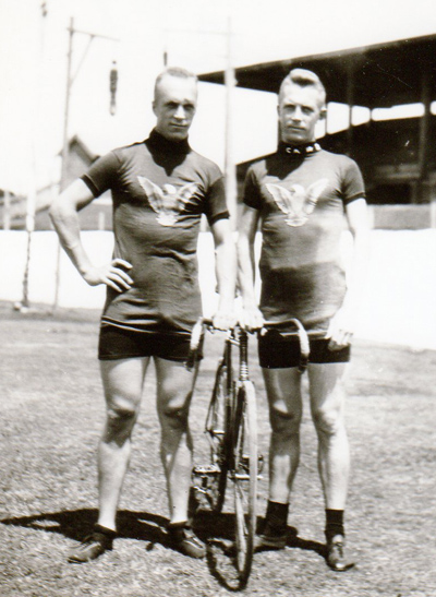 Ernest and Hans Ohrt in their matching 'winged eagle' jeseys ready for their Australia/Europe tour