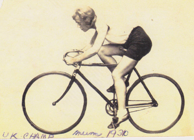 Edith Palmer competing in the Dunlop Challenge Cup (which she won) - 23 August 1930
