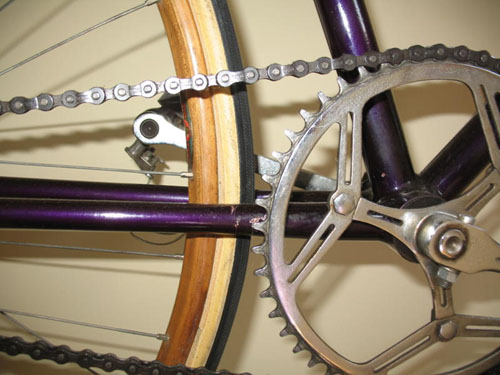Detail showing wood sprint rims and Gnutti chainset