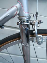 Many Pennines had the lug lining on the top edge of the lug rather than as here in the angle between lug and tube
