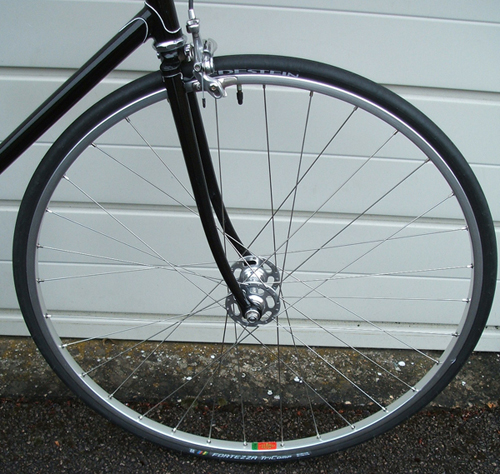 Classic front wheel with MA2 rim on Campagnolo Pista hub built with DB spokes