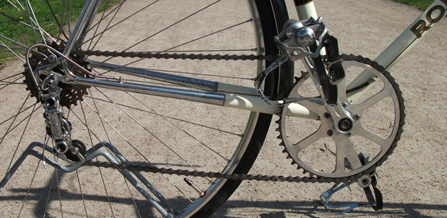 Drive chain showing Stronglight cranks, TA ring and Campagnolo rear changer